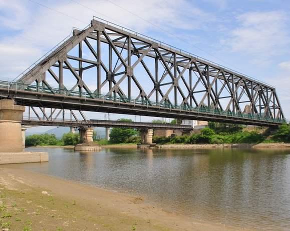 混凝土桥梁结构的病害?